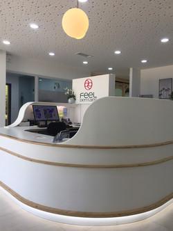 Cabinet dentaire : banque d'accueil