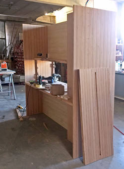 Suite luxe : meuble cloison en cours de production