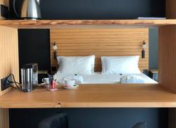 Suite luxe : meuble cloison sur mesure détail
