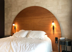 Chambre d'hôtel : tête de lit sur mesure