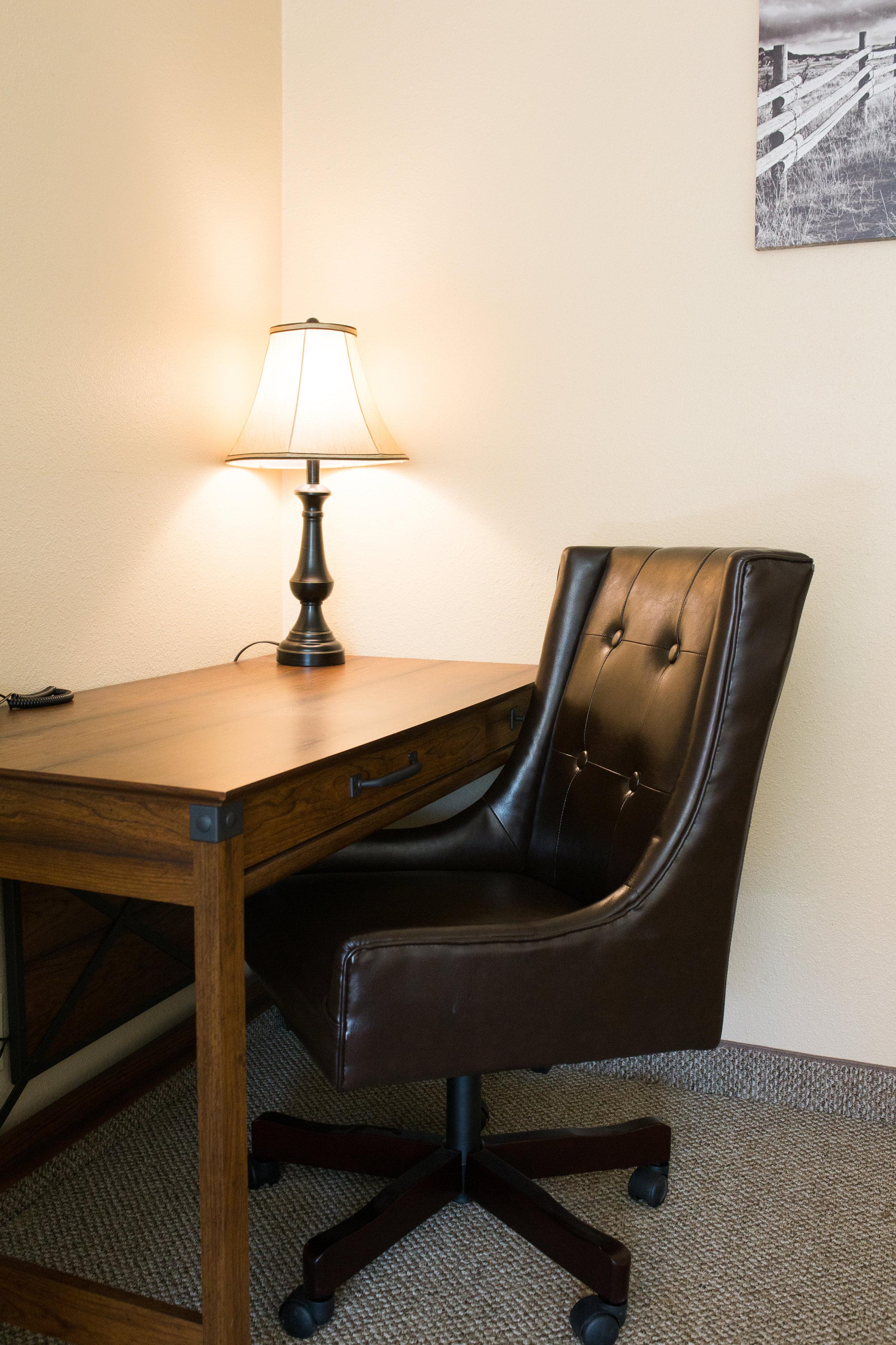 Motel Standard Desks