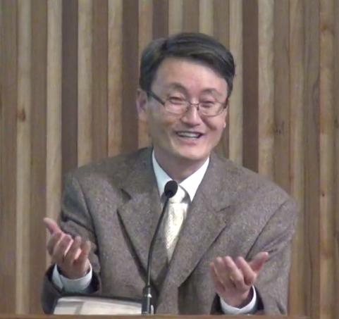 박진용 목사.png