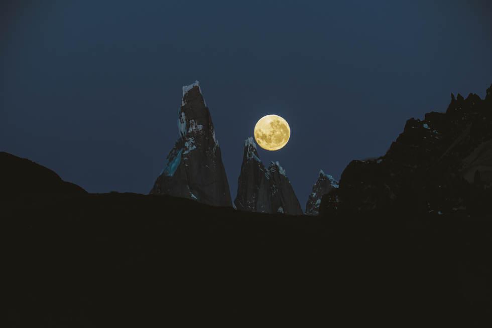 Cerro Torre, Egger and La Luna.