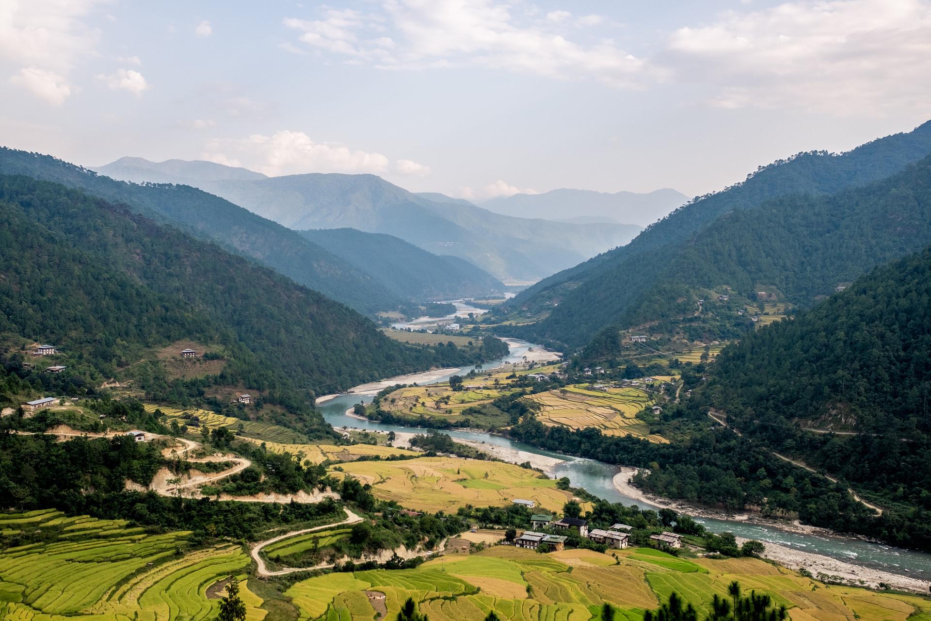 bhutan-163640.jpg