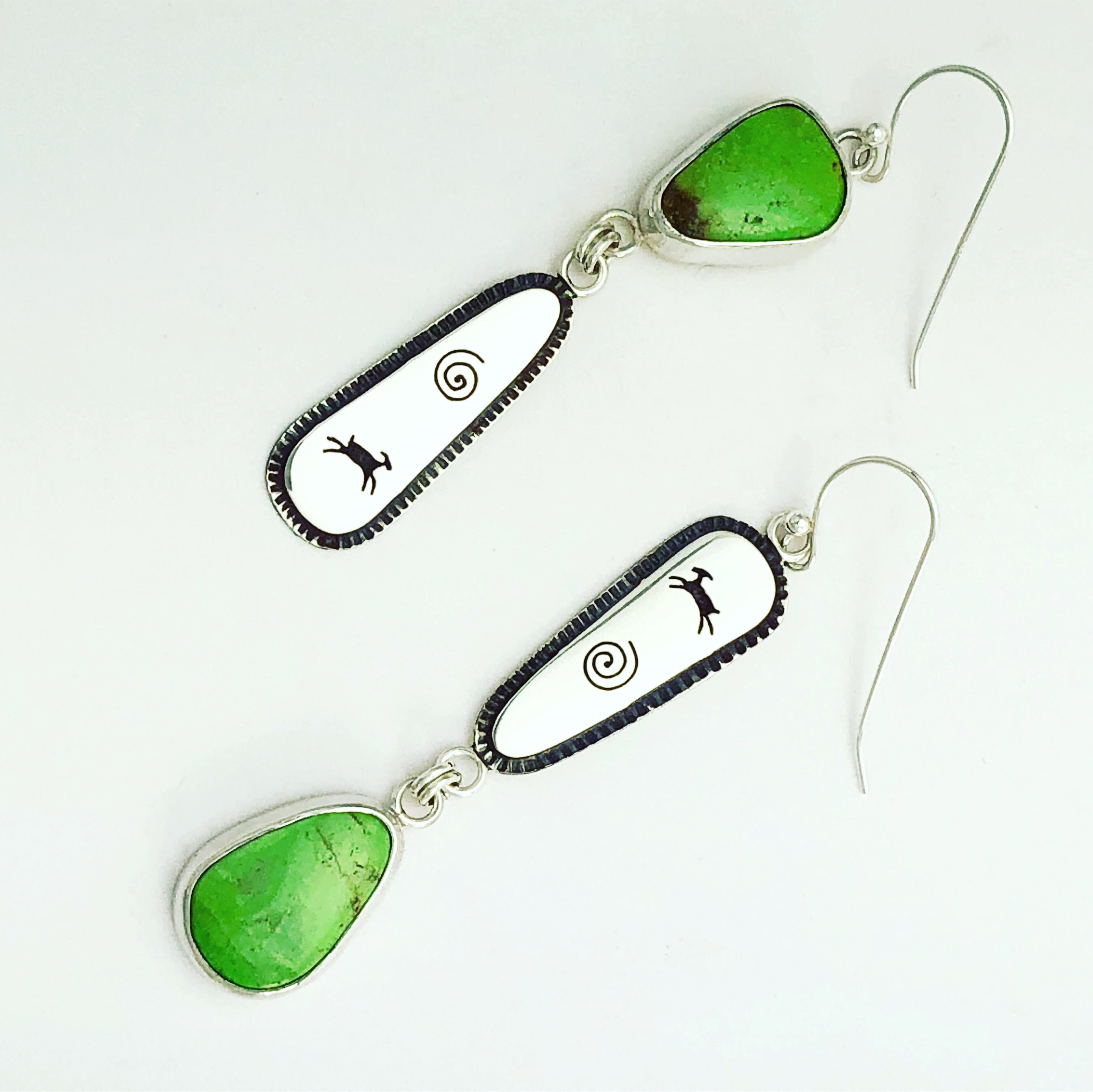 Gaspeite_earrings