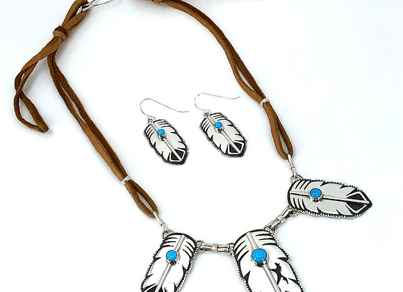 3 Eagle Feathers Necklace