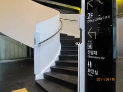 1층계단시공후