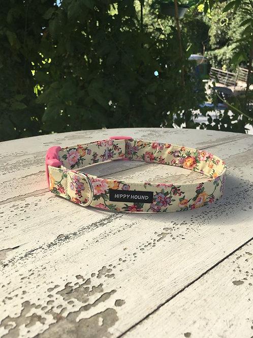 Lemon floral collar