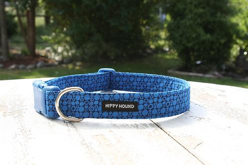 Blue circles collar