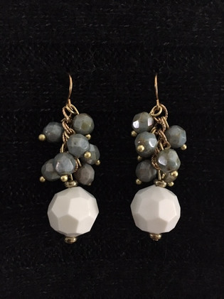 Ivory with Gray and Gold Earrings_1