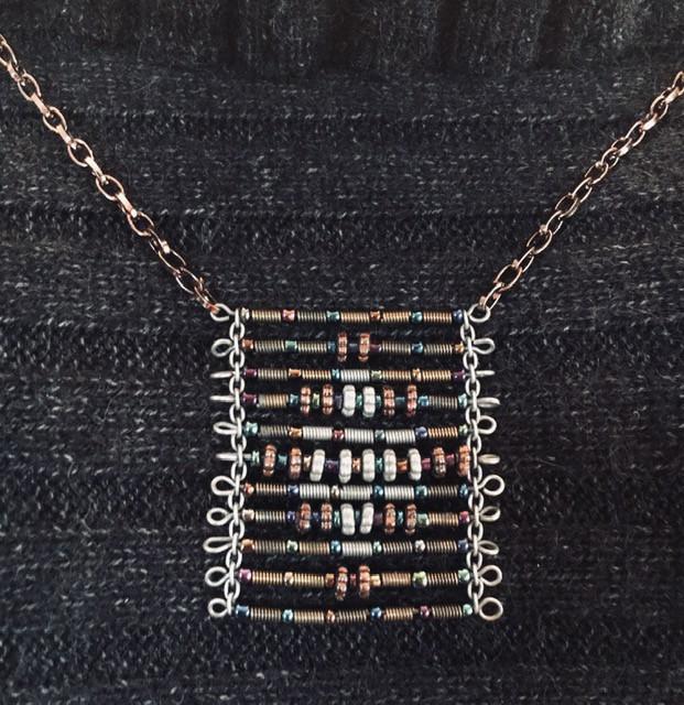 Textured Metallic Necklace_1