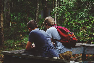 森のハイキング