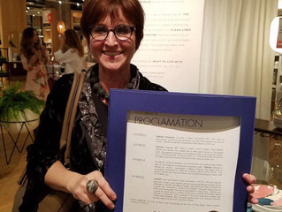 Desert Sage Soy Candle Big Heart Woman Award.