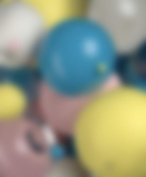 bg_balls_blur.jpg