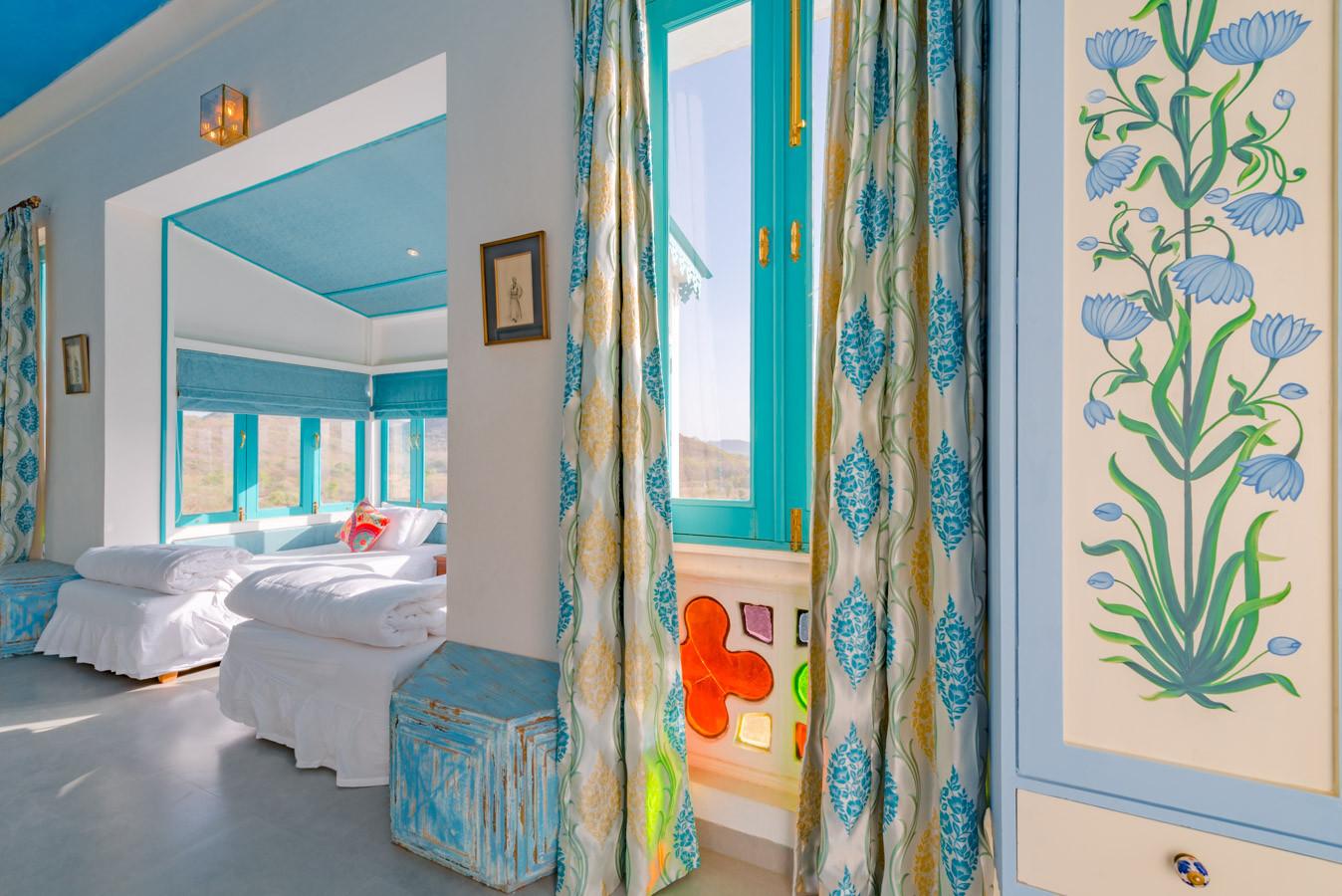 Room-6_Unbound_Jungalow_8.jpg