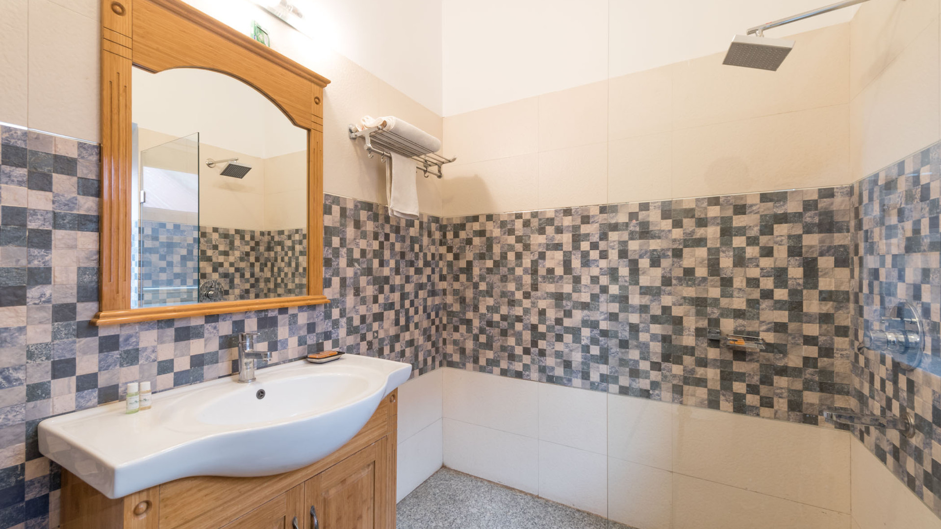 Cottage1_Washroom_Dexluxe-GroundFloor_Un