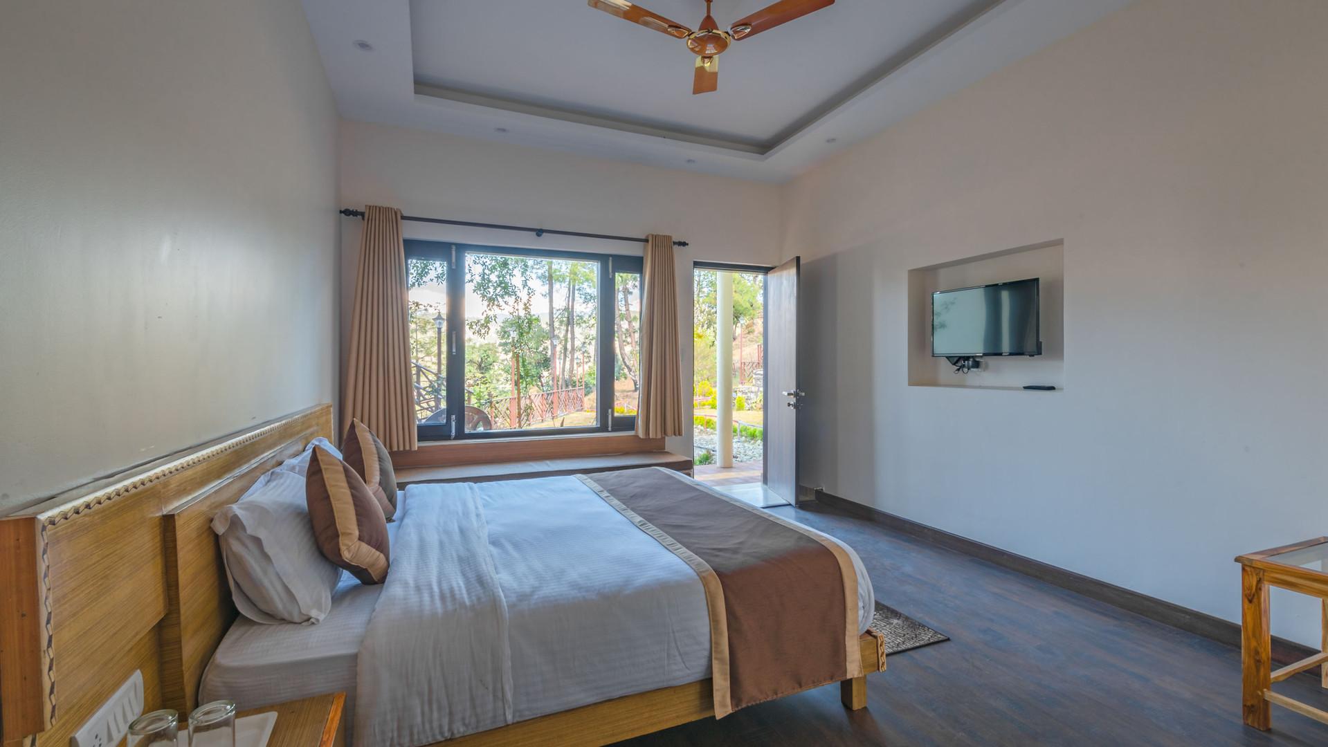 Premium-Rooms_Unbound_Boros_3.jpg