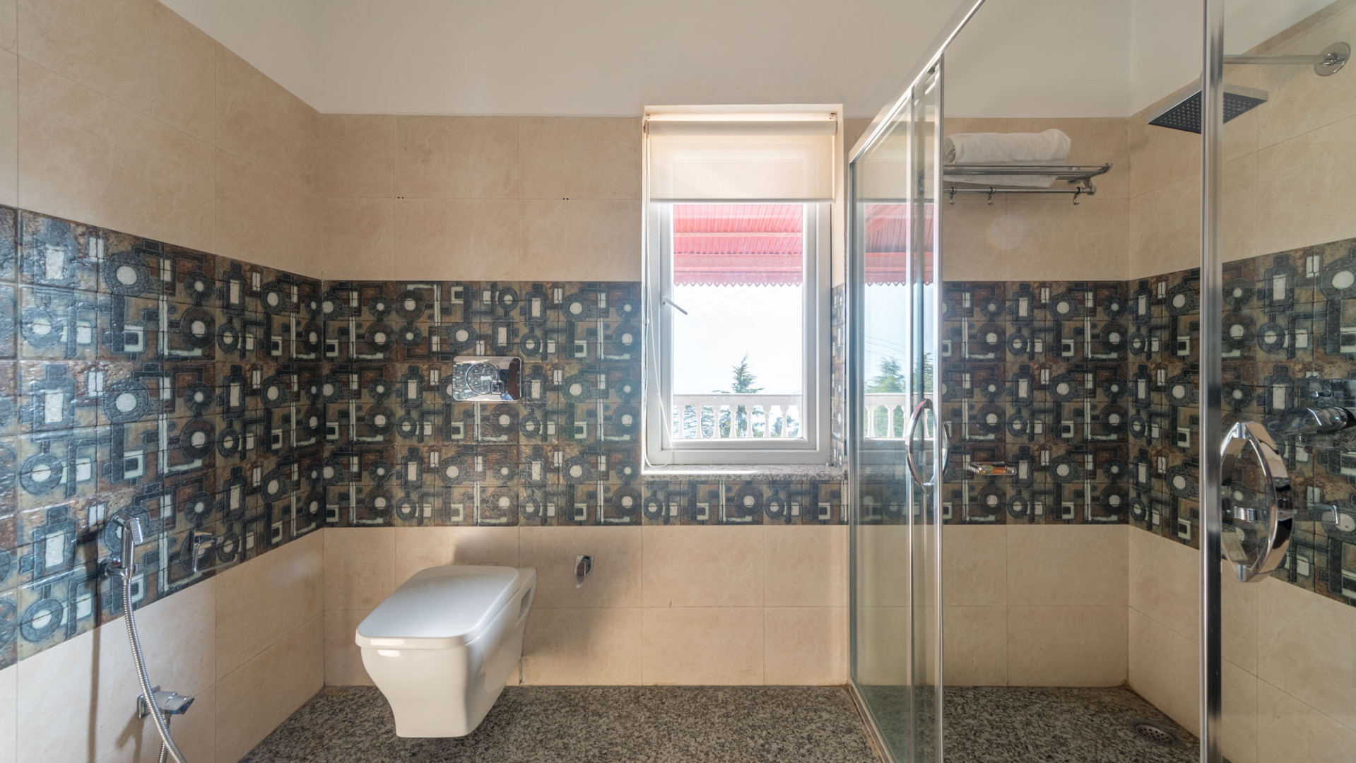 Cottage1_SuperDeluxe_Washroom_Unbound_Al