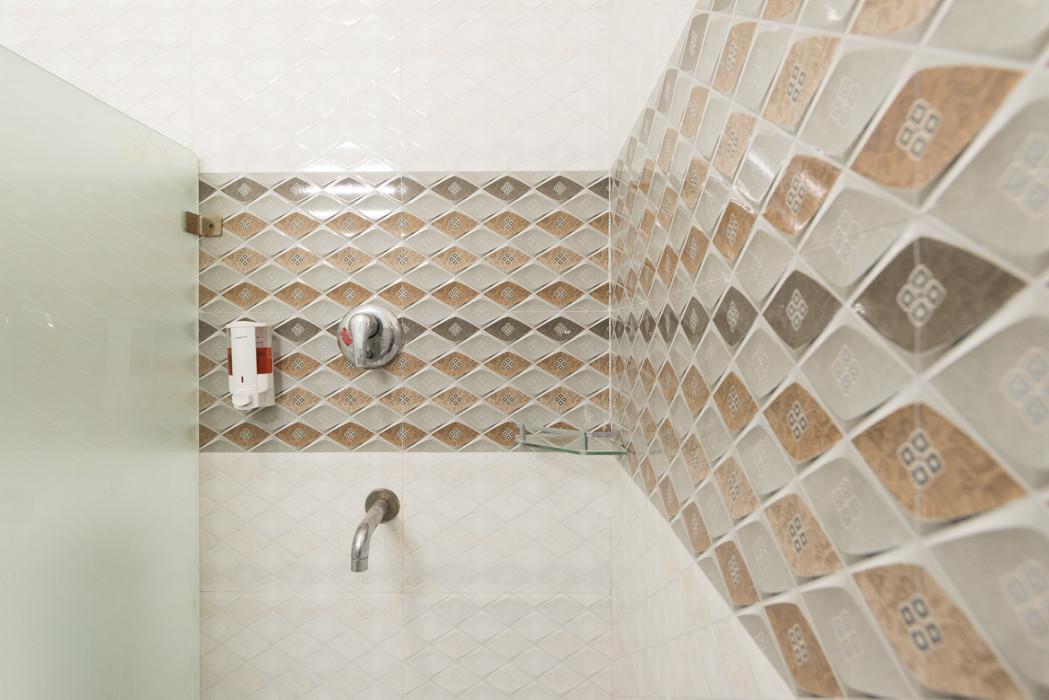 Washroom-_Unbound_Dal-Lake_4.jpg