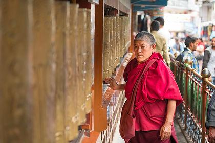 Tibetan-Market-Mcleodganj_Unbound_Dal-La