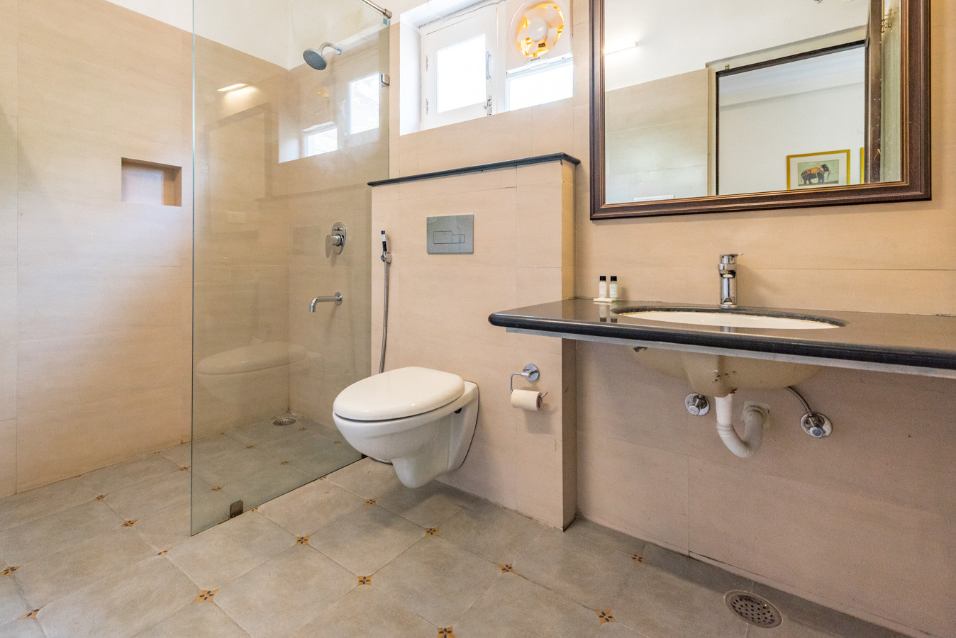 Wash-Bath-Room_Unbound_Villa-Sagat-Raaso