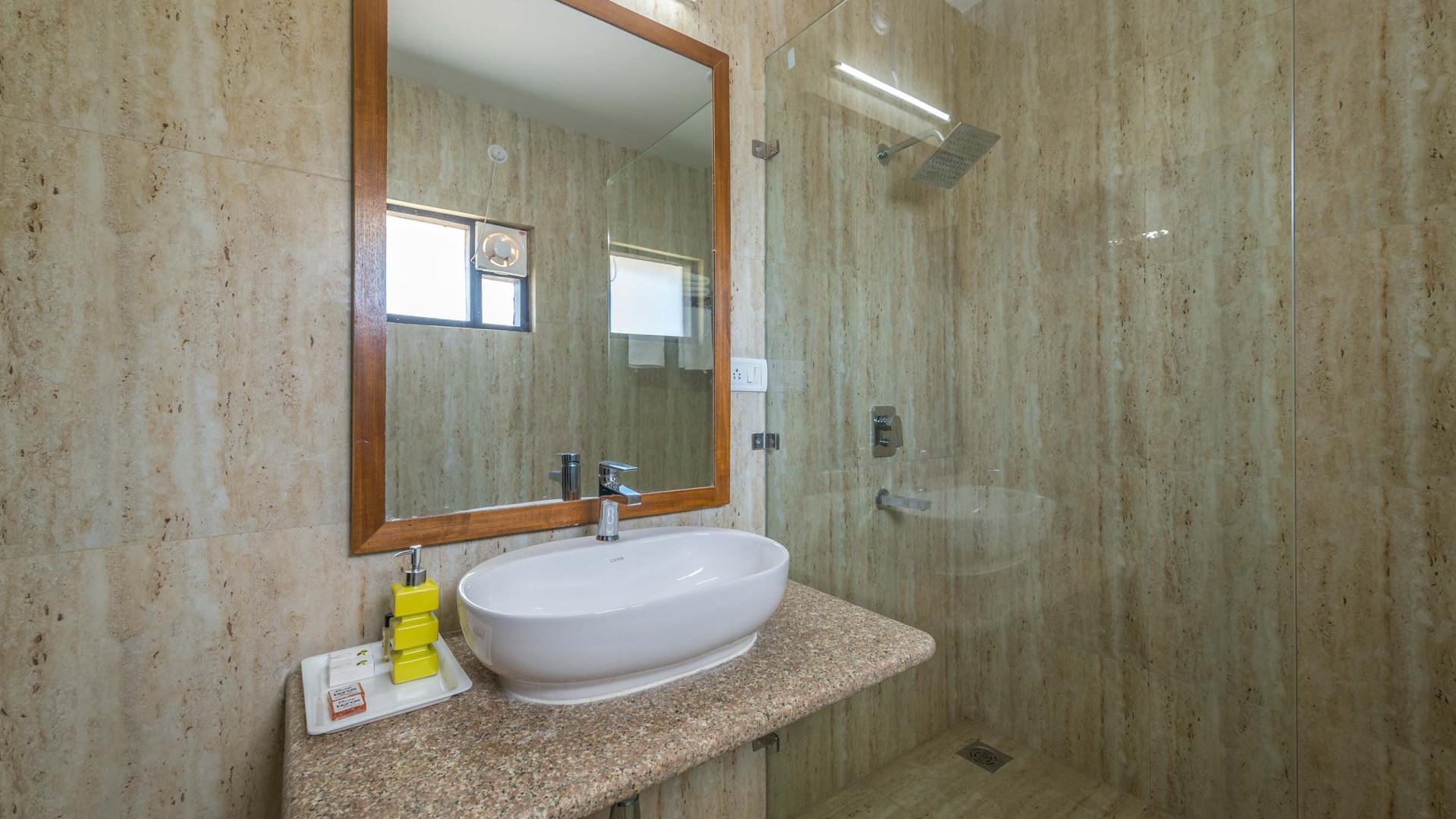 Premium-Rooms_Unbound_Boros_10.jpg