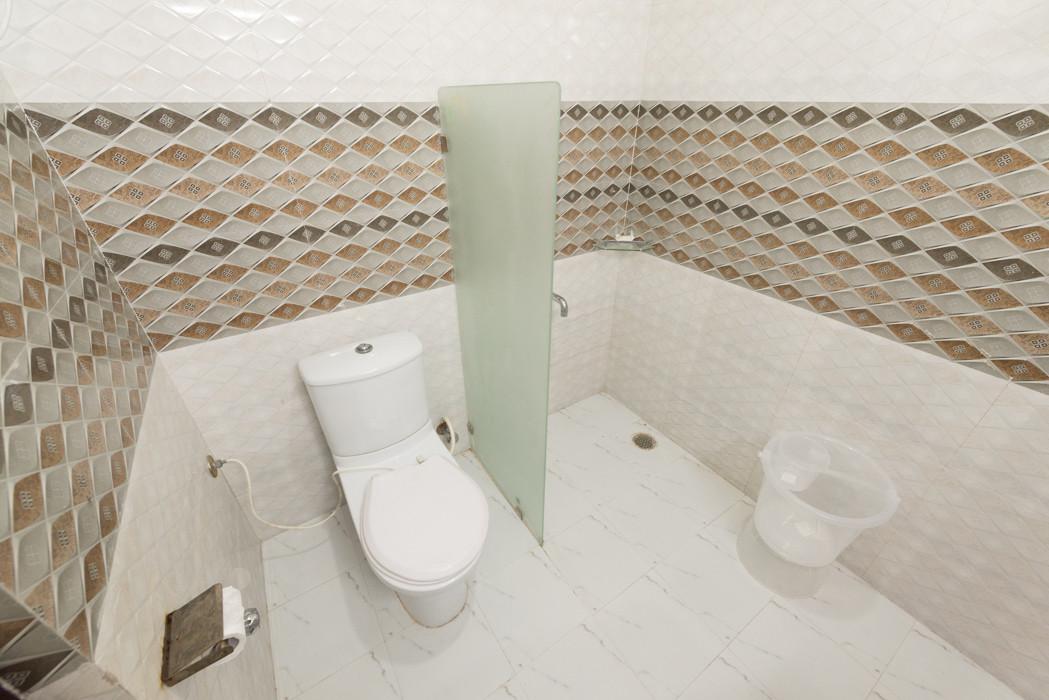 Washroom-_Unbound_Dal-Lake_3.jpg