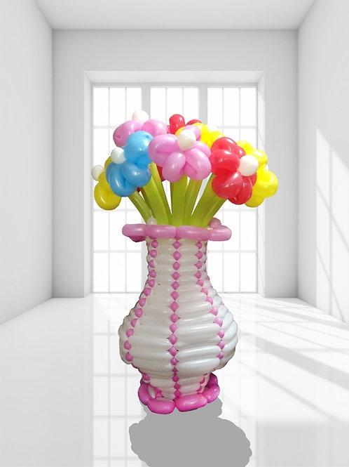 Воздушная ваза с цветами