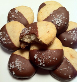Chocolate Caramel Potato Chip Cookie
