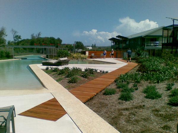 AustinMcFarland-ResortPool-07.jpg