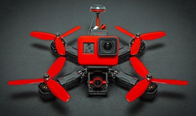 Formation cinéwhoop drone