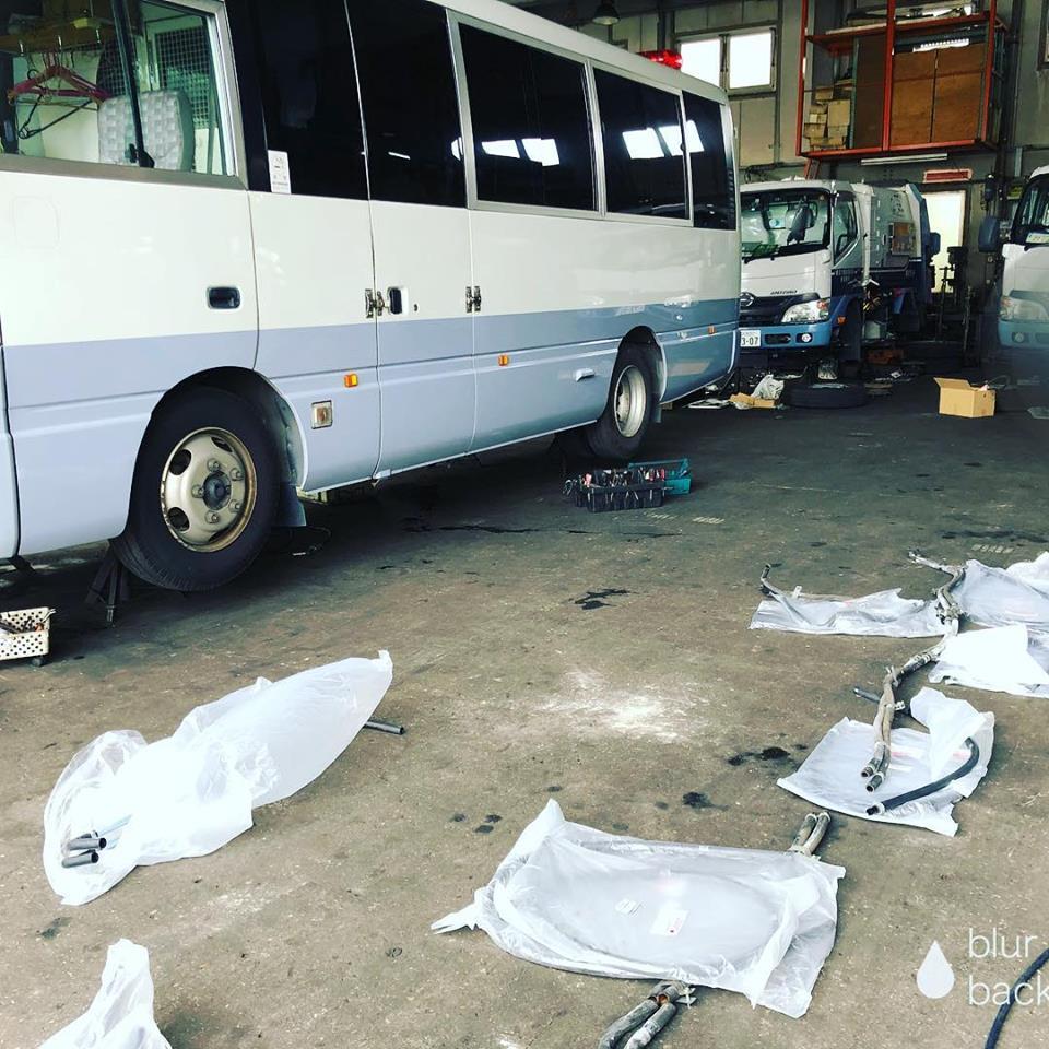 バスのヒーターホース交換