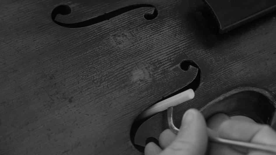 âme de violon / violin soundpost.JPG