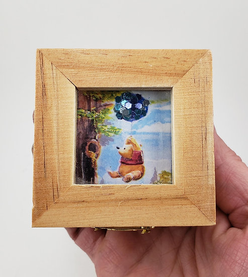 Pooh Window Trinket Box