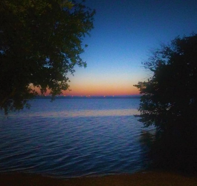 Highland Village Sunrise on the lake.jpg