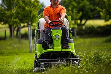 Rasenmähen: Grün- und Außenanlagenpflege Augsburg, München, Hamburg
