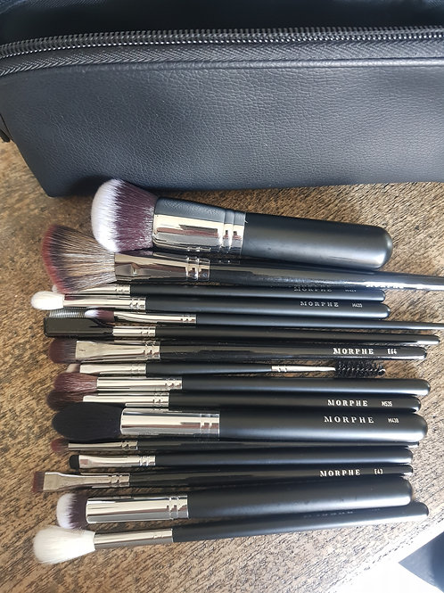 16 piece Morphe Brush Set with case