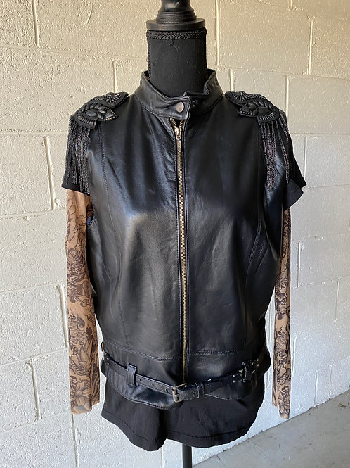 OUTLAW. Belted lambskin vest