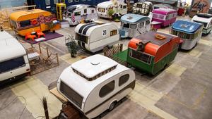 Um hostel onde podes dormir numa caravana vintage