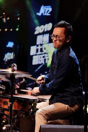 Jonathan Groove face