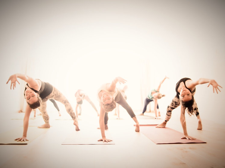Vinyasa-Yoga_edited.jpg