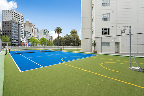 In the heart of downtown, walking distance to Albert park and Spark arena.