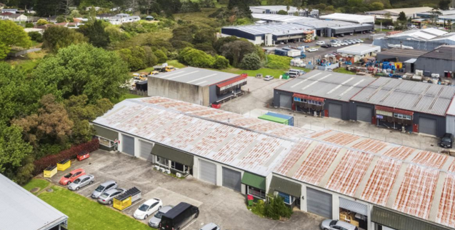 Handy location in Andromeda Crescent in the heart of East Tamaki.