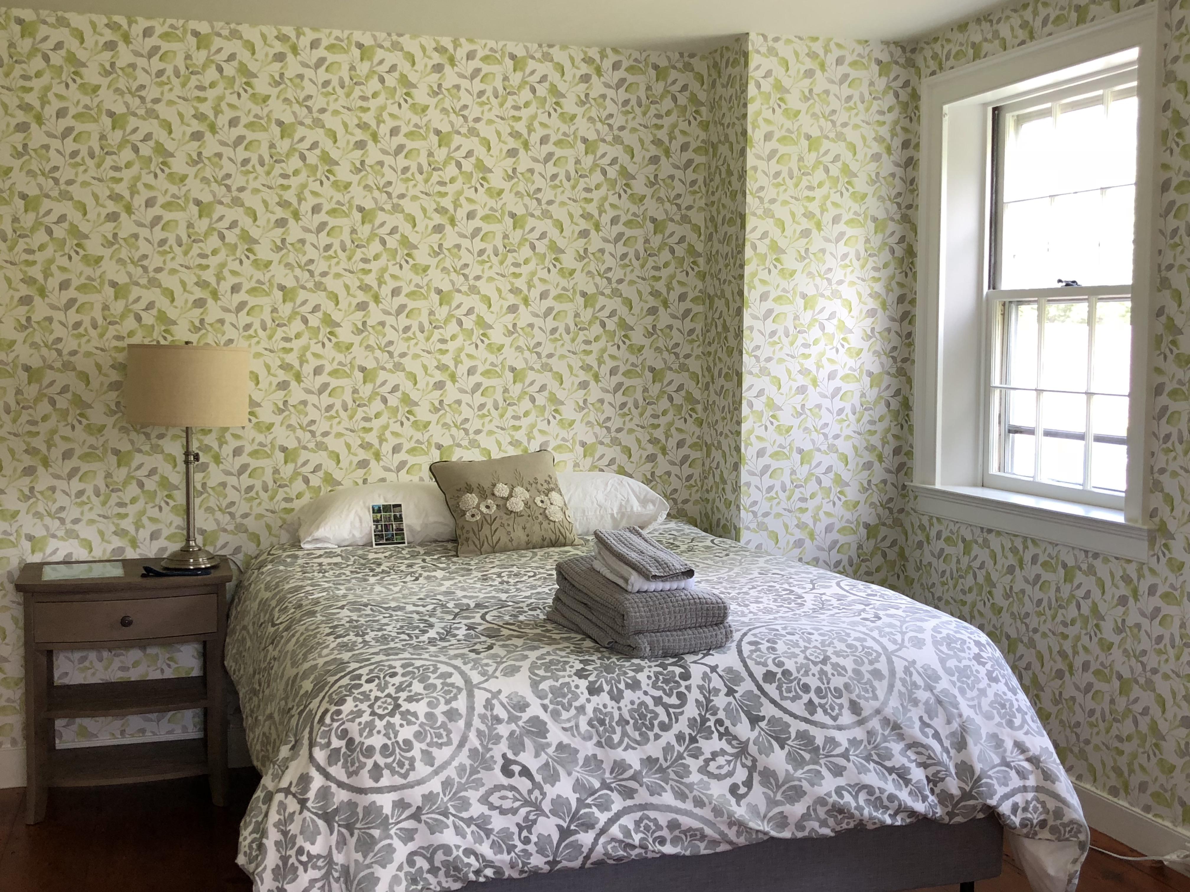 Queen in Bedroom 1