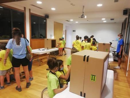 "Taller ""Caixes de llum"" al CosmoCaixa de Girona"