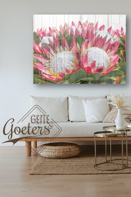 2020 Wood Protea Bunch UP