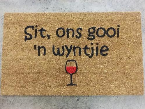 Doormat: Sit ons gooi 'n wyntjie