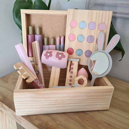Deluxe make up box