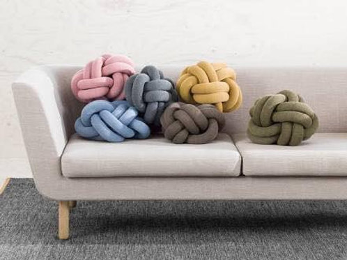 Medium Knot Cushion