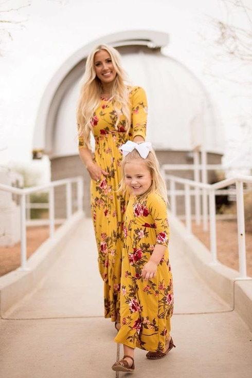 Eksklusiewe Reeks: Mommy and me: One tone floral